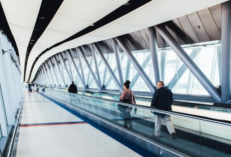 airport-925093